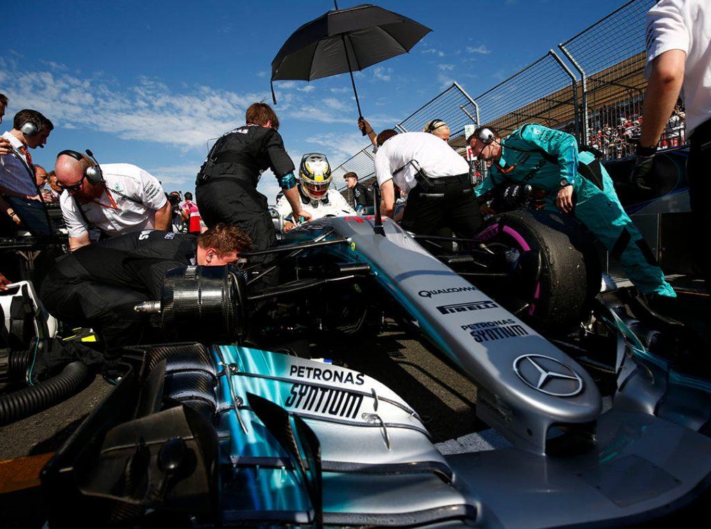 Pit lane competición Fórmula 1